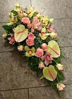 Sympathy Flowers, Funeral Flowers, Flower Arrangements, Floral Wreath, Gardening, Wreaths, Beautiful Flower Arrangements, Beautiful Flowers, Pretty Images