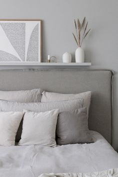 Home Decor Christmas Grey bedroom with linen headboard Bedroom Inspo Grey, Gray Bedroom, Bedroom Colors, Bedroom Decor, Linen Headboard, Linen Bedroom, Headboards For Beds, Headboard Ideas, Bedding Sets Online
