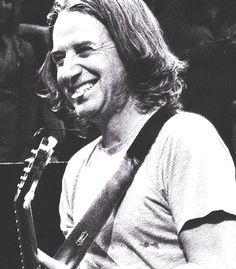 Pearl Jam   Stone Gossard...That smile...