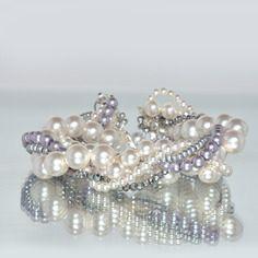 Bracelet en perles de cristal blanches nacrées spécial mariage