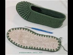 Baby Knitting, Crochet Baby, Knit Crochet, Knitting Patterns, Crochet Patterns, Crochet Shoes Pattern, Knitted Slippers, How To Make Shoes, Crochet Videos