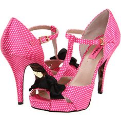 ok seriously how freaking adorable are these? can i wear pink under my dress ;)