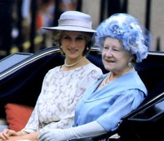 Diana, Princess of Wales with the Queen Mother at Trooping the Colour, June 1983 Royal Princess, Prince And Princess, Princess Of Wales, Lady Diana Spencer, Divas, Queen Hat, Lady Elizabeth, Elisabeth Ii, Queen Elizabeth