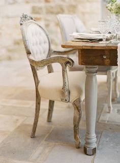 I want to replace the legs on my dining room table with something like these white ones. would be so in love with this.  Crush Cul de Sac