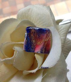 Bague carrée multicolore bleu fuchsia feuille d'or craquelée pâte polymère : Bague par agape