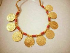 Wow I really love this Elegant necklaces Gold Bangles Design, Gold Jewellery Design, Bead Jewellery, Beaded Jewelry, Silver Jewelry, Gold Coin Necklace, Coin Jewelry, Bridal Jewelry, Diamond Necklaces