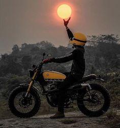 I hold the Universe in my hands. Custom Motorcycles, Custom Bikes, Bike Humor, Biker Photography, Tracker Motorcycle, Motorcycle Art, Motorcycle Wallpaper, Bike Photoshoot, Moto Cross