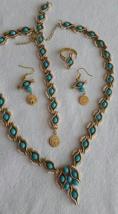 Best 12 leyla new guzelll Wire Jewelry, Jewelry Sets, Jewelry Crafts, Handmade Jewelry, Jewelry Making, Jewellery, Beaded Jewelry Patterns, Bracelet Patterns, Beaded Earrings
