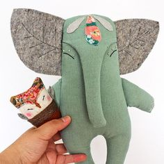 Sewing Projects Toys Stuffed Elephant Ideas Sewing Projects To… – Monkey Stuffed Animal Softies, Sewing Toys, Sewing Crafts, Sewing Projects, Sewing Ideas, Doll Patterns, Sewing Patterns, Diy Bebe, Fabric Animals