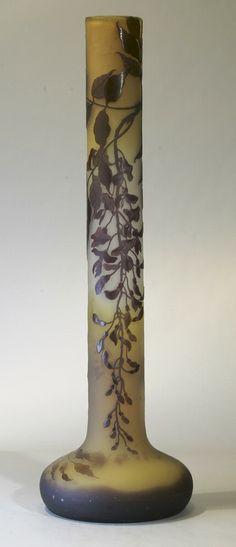 Émile Gallé (1846-1904) - Tall Floral Vase. Cameo Glass. Nancy, France. Circa 1900.