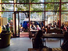 Koffie LEF. Revolutionair kopje koffie. Pop-Up onder Max, Europaplein 702