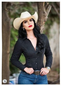 Country Girl Outfits, Sexy Cowgirl Outfits, Rodeo Outfits, Western Outfits, Chic Outfits, Fashion Outfits, Style Cowgirl, Cowgirl Tuff, Cowgirl Hats