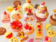 スイーツデコパーツ25個入り_H043 オレンジ水玉ケーキ、フルーツ入りカットロールケーキ、苺ホールケーキ、タルト