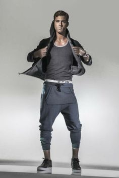 2(x)ist Launching Activewear - Slideshow - WWD.com