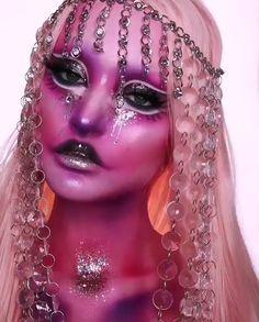 Over 40 Halloween Makeup Looks You Should Try Alien Makeup, Sfx Makeup, Costume Makeup, Makeup Tools, Makeup Art, Beauty Makeup, Makeup Products, Halloween Makeup Looks, Halloween Kostüm