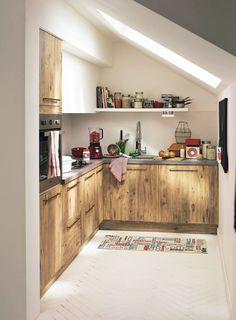 Aliwood, cuisine à composer. Façade panneaux de particules face visible stratifié finition bois, pin Mirabeau, 699 euros selon plan type, Alinéa.