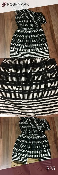 ‼️REDUCED - Size S One Shoulder Dress Size S dress from Express. Worn only once, no stains or rips. One should dress with ruffle and a pattern that stands out.  15% off bundle with purchase of two or more items! ♥️ Express Dresses One Shoulder