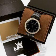 Michael Kors MK3322   @MyRich.de #MichaelKors #michaelkorswatch #mk #photooftheday #original #official #watch #style #uhr #insta #mk3322 #jetset #new #bestoftheday #brand #luxus #2017 #juwelry #luxury #lady #fashion #fossil #beauty #womensfashion  #gold #goldwatch #blackwatch #black #accessories #crystal