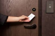 How The Hospitality Industry Enhancing Guest Experience With RFID Hotel Key Card Processor? Hotel Lock, Hotel Door Locks, Keys Hotel, Best Home Security System, Security Systems, Hotel Key Cards, Biometric Lock, Smart Home Automation, Guest Room