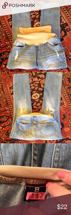 Indigo Blue maternity Maternity blue jeans size medium by indigo blue. Inseam is 30 inches Indigo Blue Jeans Straight Leg