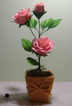 Resultado de imagem para arranjos de rosas em eva