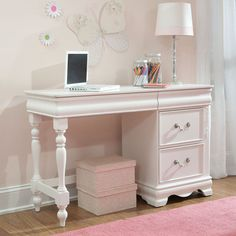 Charming and inviting, the Jessica Desk by Standard Furniture will lend a lovely Victorian cottage ambiance to every young lady's bedroom space. Patio Furniture Redo, White Desks, Cute Furniture, Refurbished Furniture, Furniture Ads, Cheap Furniture Website, Furniture, Entryway Furniture, Kids Bedroom Furniture