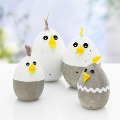 Kostenlose Anleitung: Betonküken basteln Free instructions: Making concrete chicks Diy For Kids, Crafts For Kids, Concrete Crafts, Concrete Cement, Spring Crafts, Easter Crafts, Happy Easter, Easter Eggs, Easter Bunny
