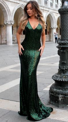 EMERALD GODDESS BACKLESS FORMAL DRESS BY STUDIO MINC #GREEN #EMERALD #SEQUIN #PROM #FORMAL #DRESS