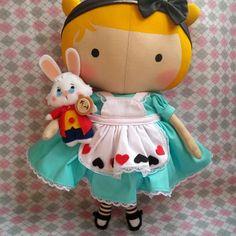 Tilda Toy, Doll Patterns Free, Crafty Fox, Fabric Toys, Waldorf Dolls, Felt Diy, Soft Dolls, Doll Crafts, Felt Christmas
