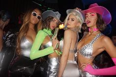 Simi & Haze with Kylie Jenner rockin the Neon Cowboy Light Up Hats Cowgirl Halloween Costume, Badass Halloween Costumes, Trendy Halloween, Halloween Inspo, Halloween Outfits, Sexy Clown Costume, Teen Costumes, Woman Costumes, Pirate Costumes