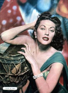 beautiful Yvonne De Carlo pic 35m-2642