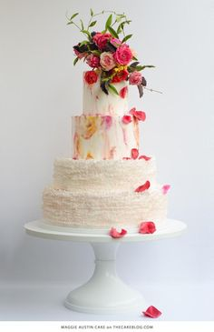 We love this beautiful Flower Wedding Cakes for Spring.