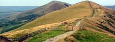 Mam Tor walk – start in castleton. hours from Mam Nick car park Places To Visit Uk, Walking Routes, England And Scotland, Peak District, Derbyshire, Day Off, Britain, Travel Inspiration, Scenery