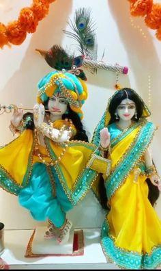 Radha Krishna Songs, Krishna Mantra, Radha Krishna Images, Cute Krishna, Lord Krishna Images, Radha Krishna Photo, Radha Krishna Love, Krishna Photos, Radhe Krishna