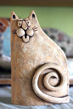 Pottery Animals, Ceramic Animals, Clay Animals, Pottery Sculpture, Sculpture Clay, Clay Cats, Cement Art, Pottery Handbuilding, Chicken Art
