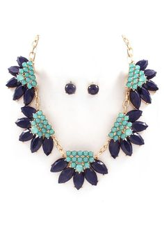 Bobbi Necklace & Earrings in Elegant Blues.   I just love the colors...stunning!