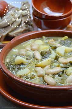 Con sabor a canela: Caldo gallego de grelos Caldo Gallego Recipe Cuban, Cuban Recipes, Spanish Recipes, Spanish Food, Soup Beans, White Bean Soup, Island Food, Different Recipes, Soup And Salad