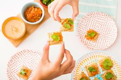 Looking for a new party appetizer? Save this to make a sweet, tangy + nutty Triscuit appetizer. #partner