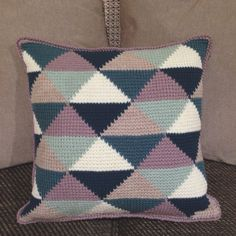 Tunisian Crochet cushion cover using pattern from @poppyandbliss