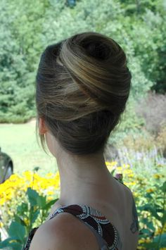 Beehive. Maybe I can find someone to do this for my bachelorette party or rehearsal dinner:;