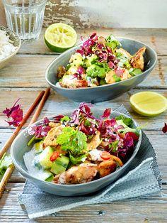 Köstlich, dieser asiatisch inspirierte Salat mit raffiniertem Kokosdressing!