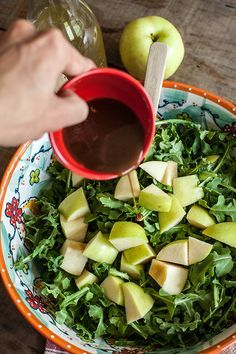 Arugula Salad Dressing | Try this Summer Arugula Salad Recipe with apple, honey and fig goat cheese. Delicious no cook meal for Summer.
