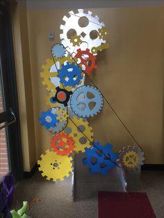 Aardig ideetje: ieder kind maakt een tandwiel, daarna combineren tot 1 machine!