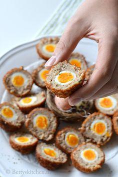 Gehaktballen met ei (Scotch Eggs) Schotse eieren amuse of borrel hapje paas recepten
