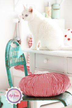 cute crafting or office space