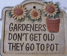 Organic Gardening Tips Code: 5936257566 Garden Crafts, Garden Projects, Metal Projects, Fun Projects, Container Gardening, Gardening Tips, Organic Gardening, Hydroponic Gardening, Recycling