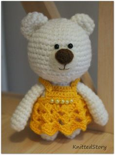 Knitted Story, even if this is a crocheted teddy bear!!!