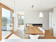 Immeuble résidentiel Neuenstein 2 – Matt Riglewski Architekten – home/interieur Modern Fireplace, Home Design Plans, Dining Room Design, Planer, House Plans, Room Decor, Interior Design, Decor Ideas, Room Ideas