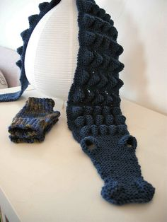 great scarf - i know i already pinned this but this one is just the pattern not the kit