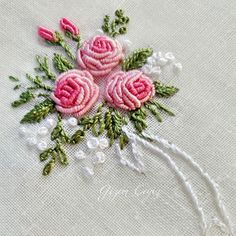Embroidery Hoop Kenya under Embroidery Stitches Daisy Chain wherever Embroidery Floss Kumihimo Bullion Embroidery, Brazilian Embroidery Stitches, Hand Embroidery Videos, Hand Embroidery Flowers, Hand Embroidery Stitches, Silk Ribbon Embroidery, Hand Embroidery Designs, Embroidery Thread, Cross Stitch Embroidery
